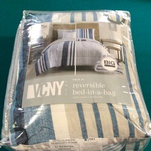 VCNY HOME twin XL reversible bed in a bag